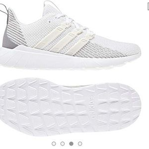 Adidas quester flow sneakers